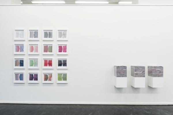 Ausstellungsansicht- Nothing Special im Kunstbezirk Stuttgart, 2016 Lebenslagen Buttenhausen 1-3, Flusen, Acryl, 30x30x30 cm Journale 1--16, Flusen auf Papier 30x30 cm